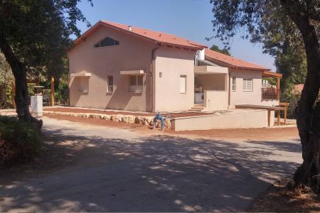 אלקוני - בית אלפא בבנייה